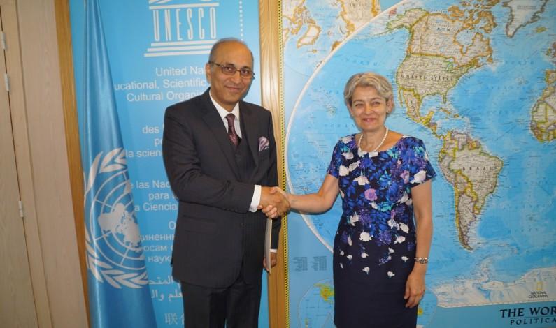 Pak ambassador to UNESCO presents his credentials