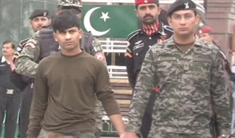 Pakistan returns Indian soldier as goodwill gesture