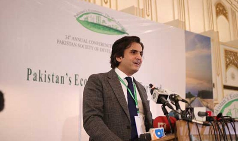 Structural reforms will put national economy on right path: Khusro