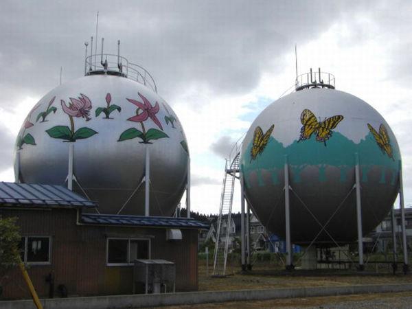 Gas Tanks 09