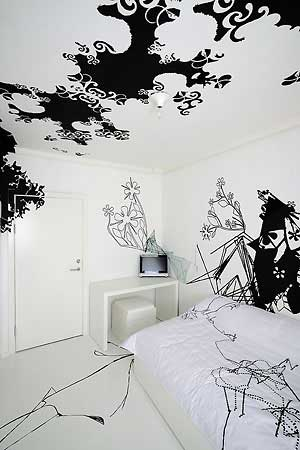Black White Room