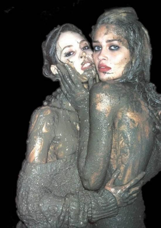 We Love Mud While