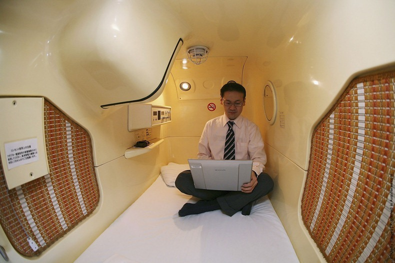 capsule hotels in japan yes urdu and english news yes urdu and english news. Black Bedroom Furniture Sets. Home Design Ideas