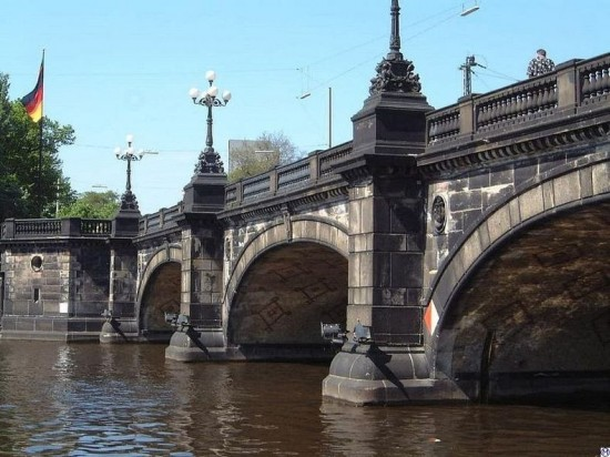 Lombardsbruecke and Kennedybrücke