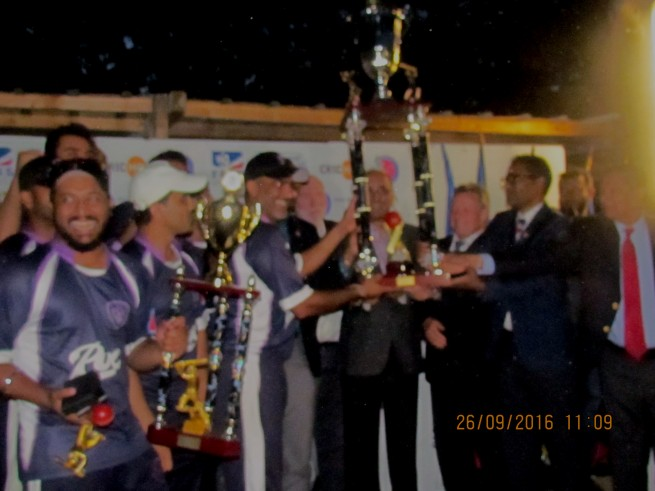 Ambassador-of-Pakistan-in-France-is-giving-gave-awary-Jinnah-Champion-Trophy-to-the-Paris-University-Club-the-Winner-of-Jinnah-Champions-Trophy-in-Paris-Today-25th-Sept-2016