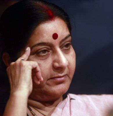Sushma Swaraj: Indians offer kidneys to ailing minister