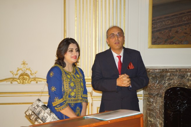 Ambassador of Pakistan Moin ul Haque with Ms. Gulalai recipient of Chirac Prize for Conflict Prevention in a reception hosted in her honor by the Embassy of Pakistan in Paris today on 25.11.2016