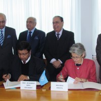 DG UNESCO Ms. Irina Bokova and Dr. Iqbal Choudhary head of ICCBS ICCBS of Pakistan, signed Category-II partnership agreement in an impressive ceremony held at the UNESCO 21.11.2016.JPG