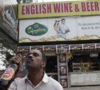 India court bans liquor shops on highways
