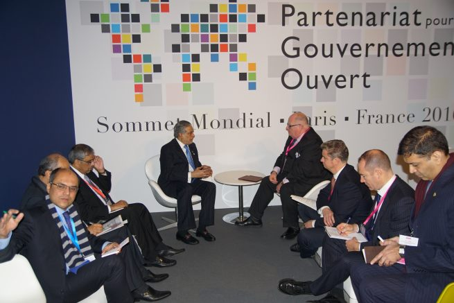 Senator Mohammad Ishaq Dar Federal Minister for Finance and Economic Affairs of Pakistan is meeting with Sir Eric Pickels Head of Anti-Corruption, UK at the British Embassy in Paris today (8th December, 2016)