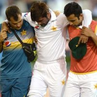 Amir injury scare, Smith's ton pile pressure on Pakistan
