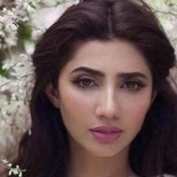 Mahira Khan turns 32 today