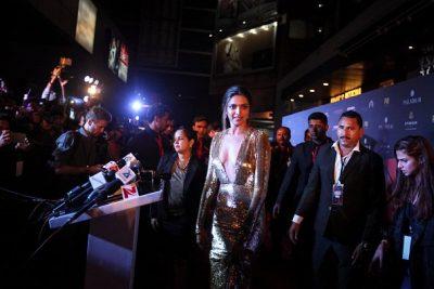 Deepika Padukone looks amazing in shining golden dress