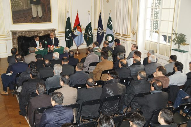 Chairman OPF Board of Governors meet notables of Pakistani Community in Paris