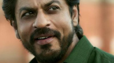 WATCH: New Raees song 'Dhingana' shows how SRK becomes a gangster