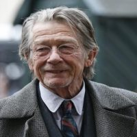 Academy, Oscar-nominated actor John Hurt passes away
