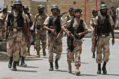 Rangers conduct operation against gang war activists in Karachi's Chakiwara