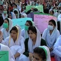 Nurses' protest against non-provision of allowance enters second day in Karachi