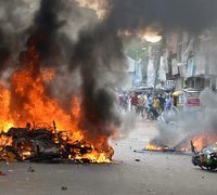 Communal, strife, in, home, state, of, India's, Modi, kills, one, 14, hurt