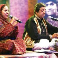 Reshma's, son, and, daughter-in-law, perform, at, Lok Virsa,
