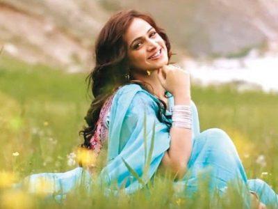 Watch, Noor Bukhari, groove, to, 'The Breakup Song', a, week, after, announcing, her, divorce