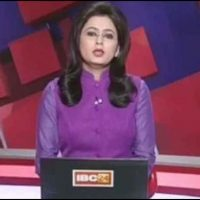 Indian, news, anchor, reads, out, breaking, news, of, husband's, death