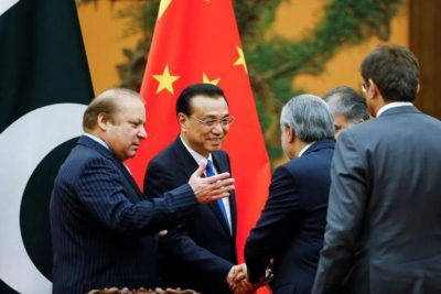 Chinese Premier Li Keqiang meets Pakistani Prime Minister Nawaz Sharif and Pakistani officials at the Great Hall of the People in Beijing, China, May 13, 2017. REUTERS/Thomas Peter