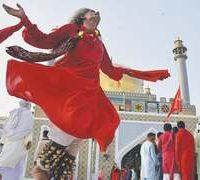Devotees, throng, Qalandar's, shrine, as, 765th, Urs, begins