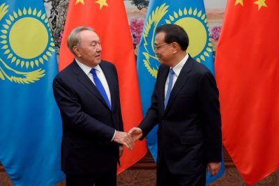 Chinese Premier Li Keqiang (R) meets Kazakhstan's President Nursultan Nazarbayev (L) at the Great Hall of the People in Beijing, China May 14, 2017. REUTERS/Etienne Oliveau/Pool