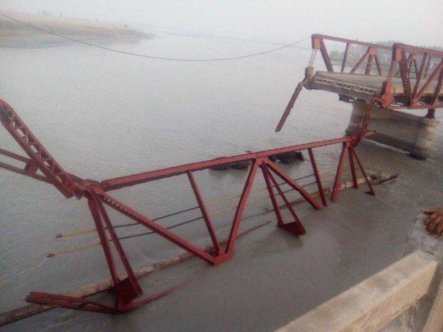 One, dead, as, British-era, bridge, collapses, in, Charsadda