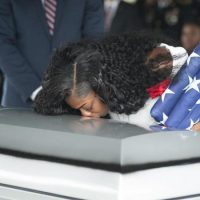 Soldier's, widow ,angry, Trump, didn't, know, her, husband's, name