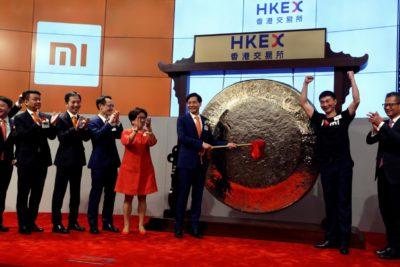 Chinese Smartphone Maker Xiaomi Falls in Hong Kong Trading Debut