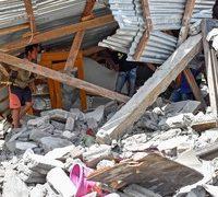 Strong quake on Indonesia holiday island kills 13, injures hundreds
