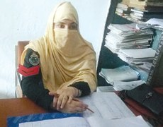 Woman made 'moharar' at Dir police station