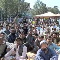 Utility stores' workers adamant to continue sit-in until govt fulfills demands