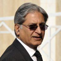 Aitzaz blames statements for Sharif's predicament