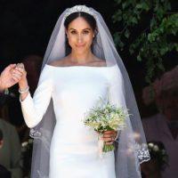 Meghan Markle presents fashion award to wedding dress designer